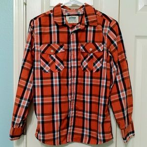 A gentle used boy shirt size large